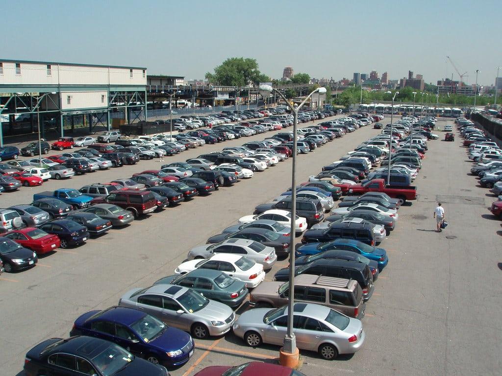 Les parkings près des aéroports : avantages et inconvénients